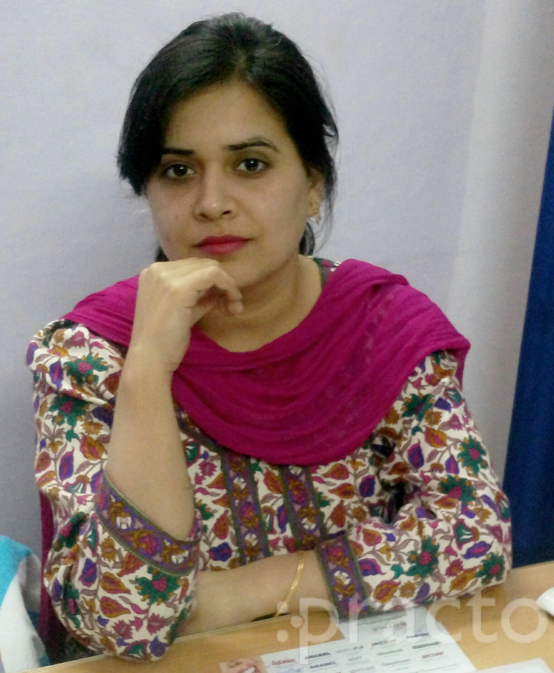 Dr. Swati Pahuja - Dentist