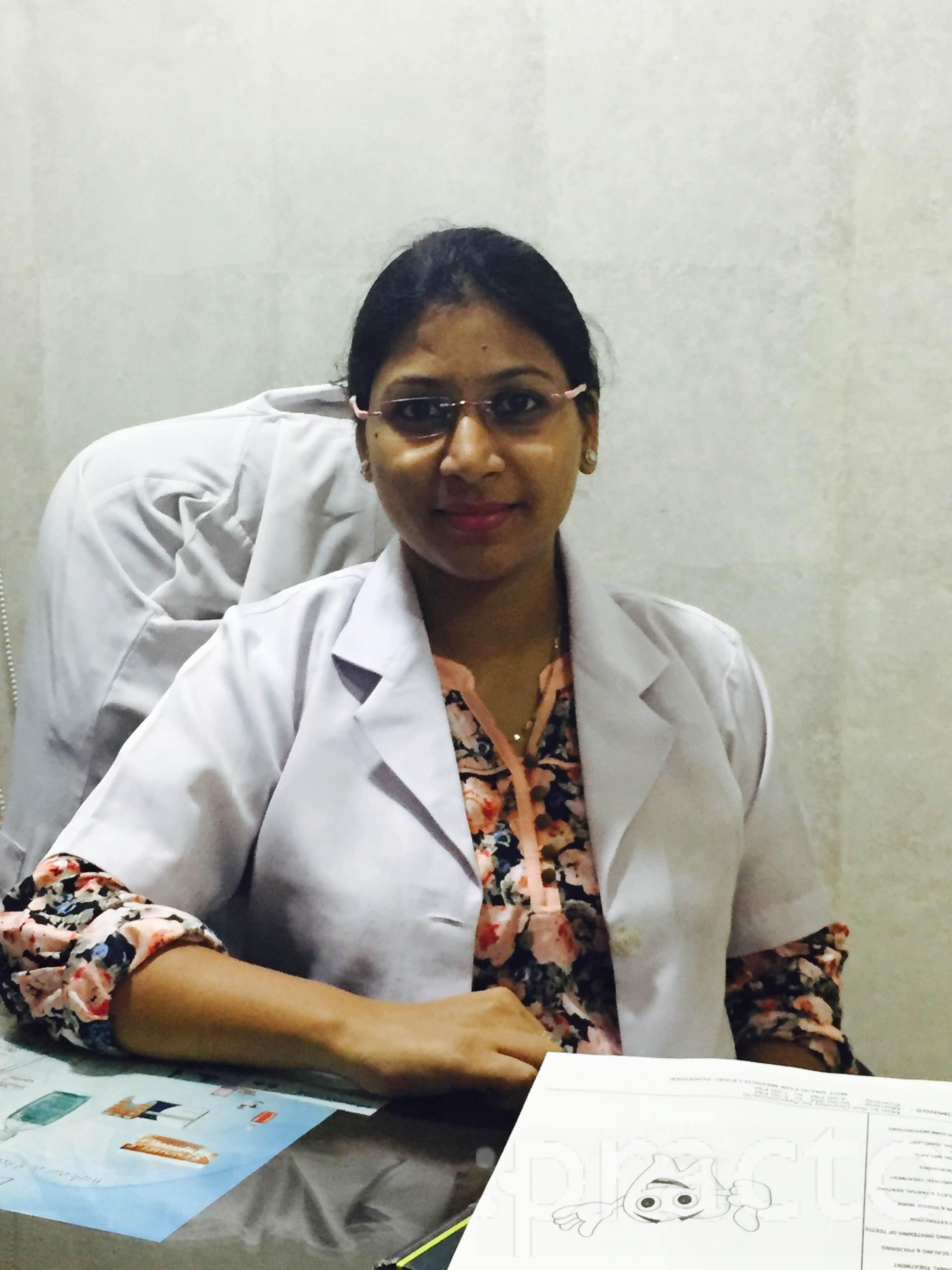 Dr. Tanvi Bansal - Dentist