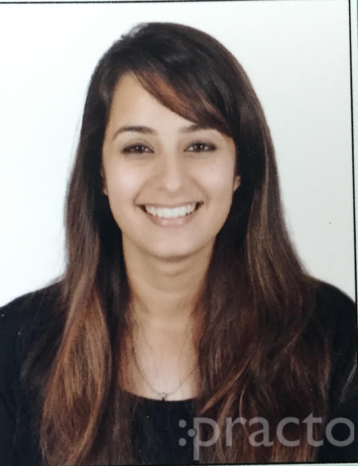 Dr. Tanvi Thaper - Dentist