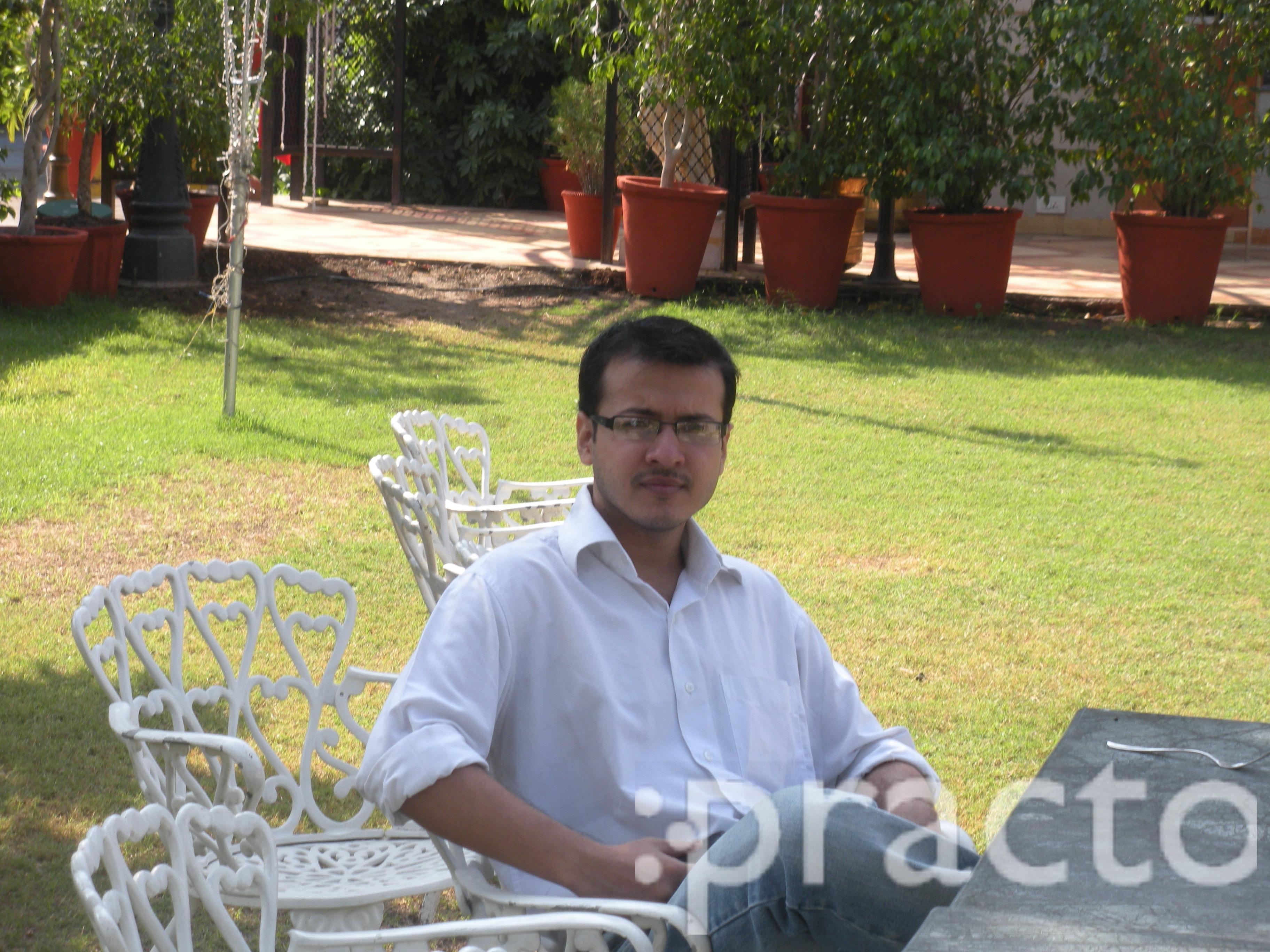 Dr. Varnit Aggarwal - Dentist