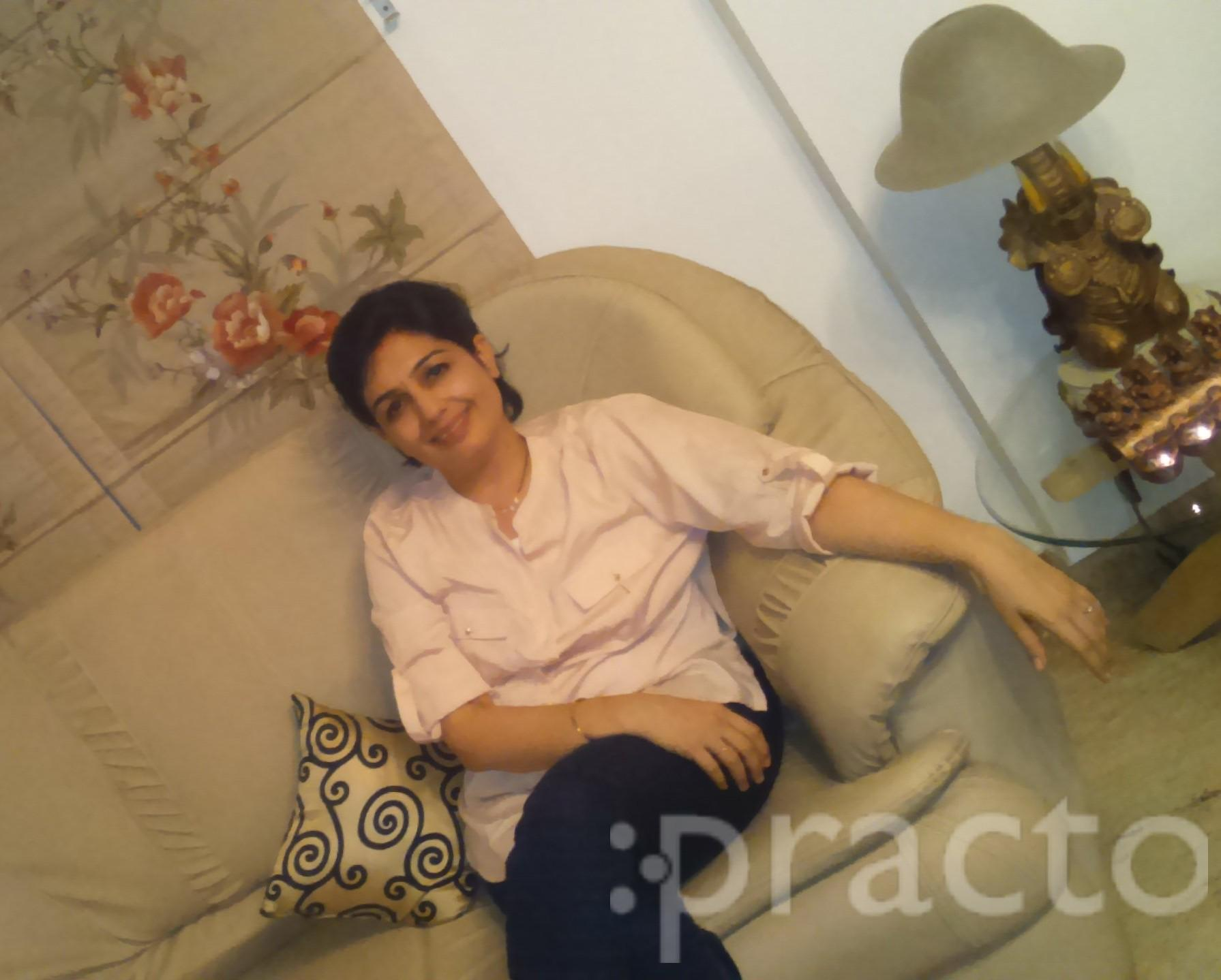 Dr. Varsha Rohra - Dentist