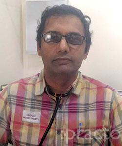Dr. Vijay Narain Tyagi - Pulmonologist