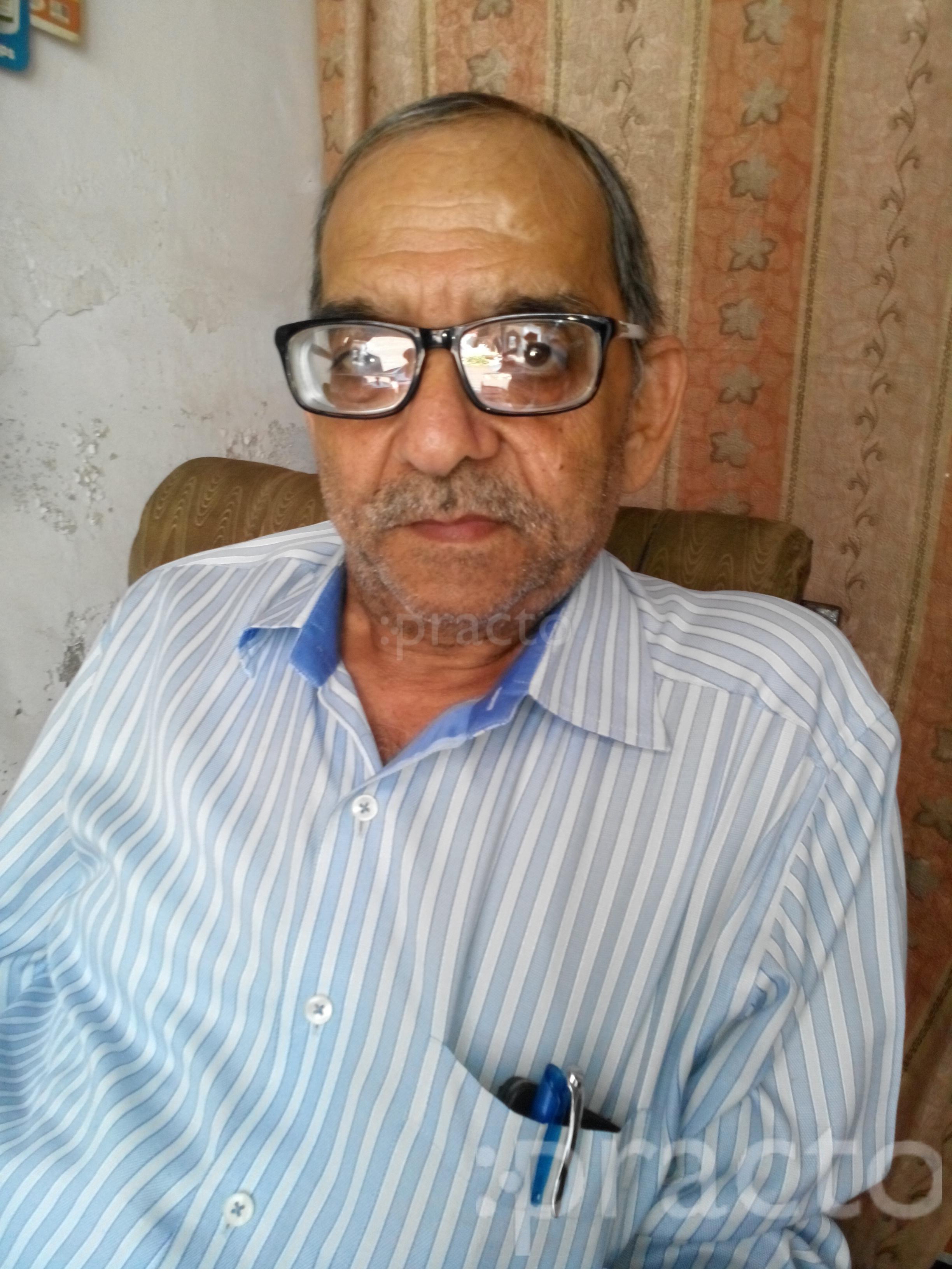 Dr. Vinay Kumar Chaturvedi - Homeopath