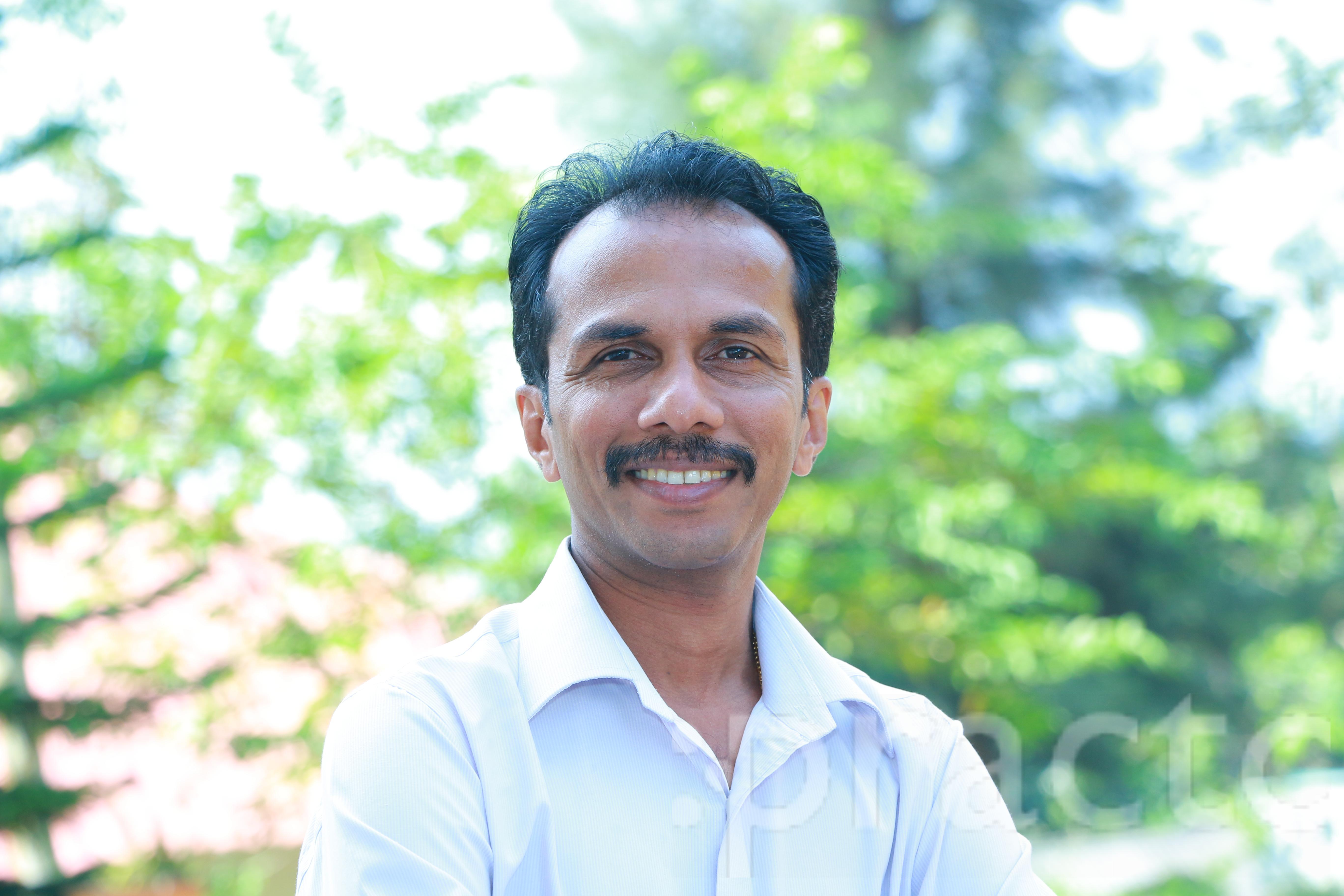 Dr. Vinodkumar - Dentist
