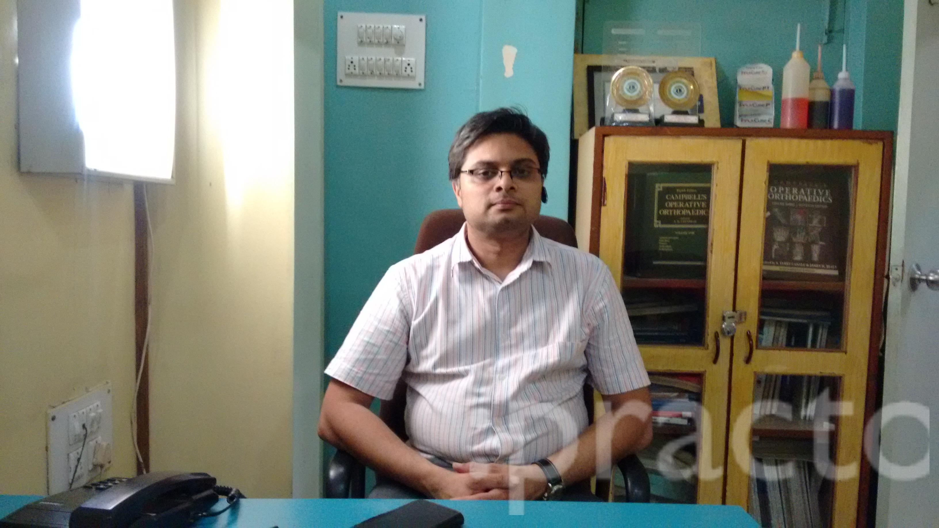 Dr. Vivek Gupta - Orthopedist