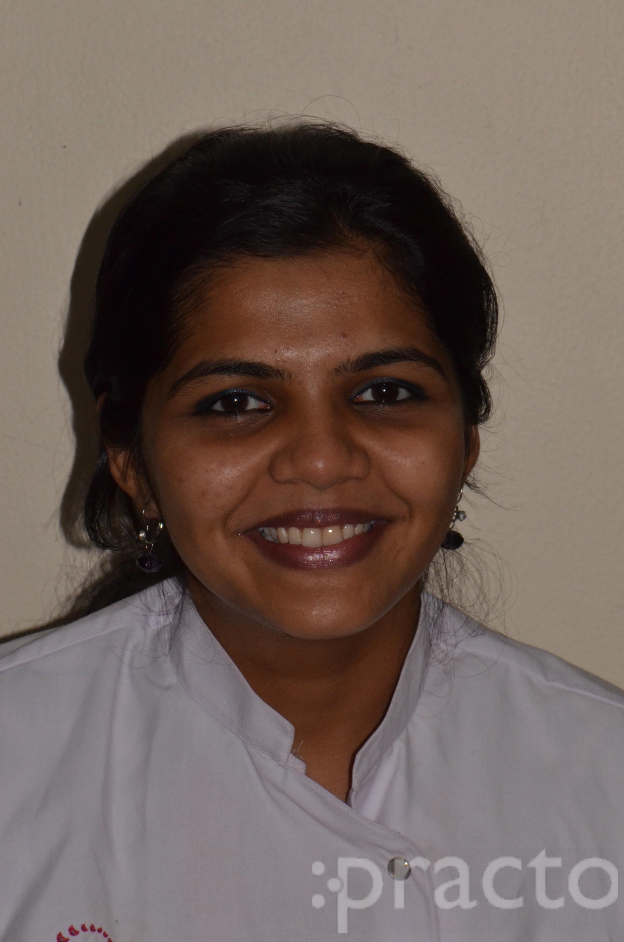 Dr. Vrushalee  Oke - Dentist