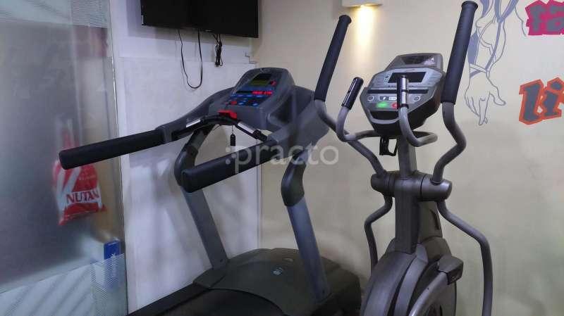 Gati fitness garage in girgaon mumbai membership deals