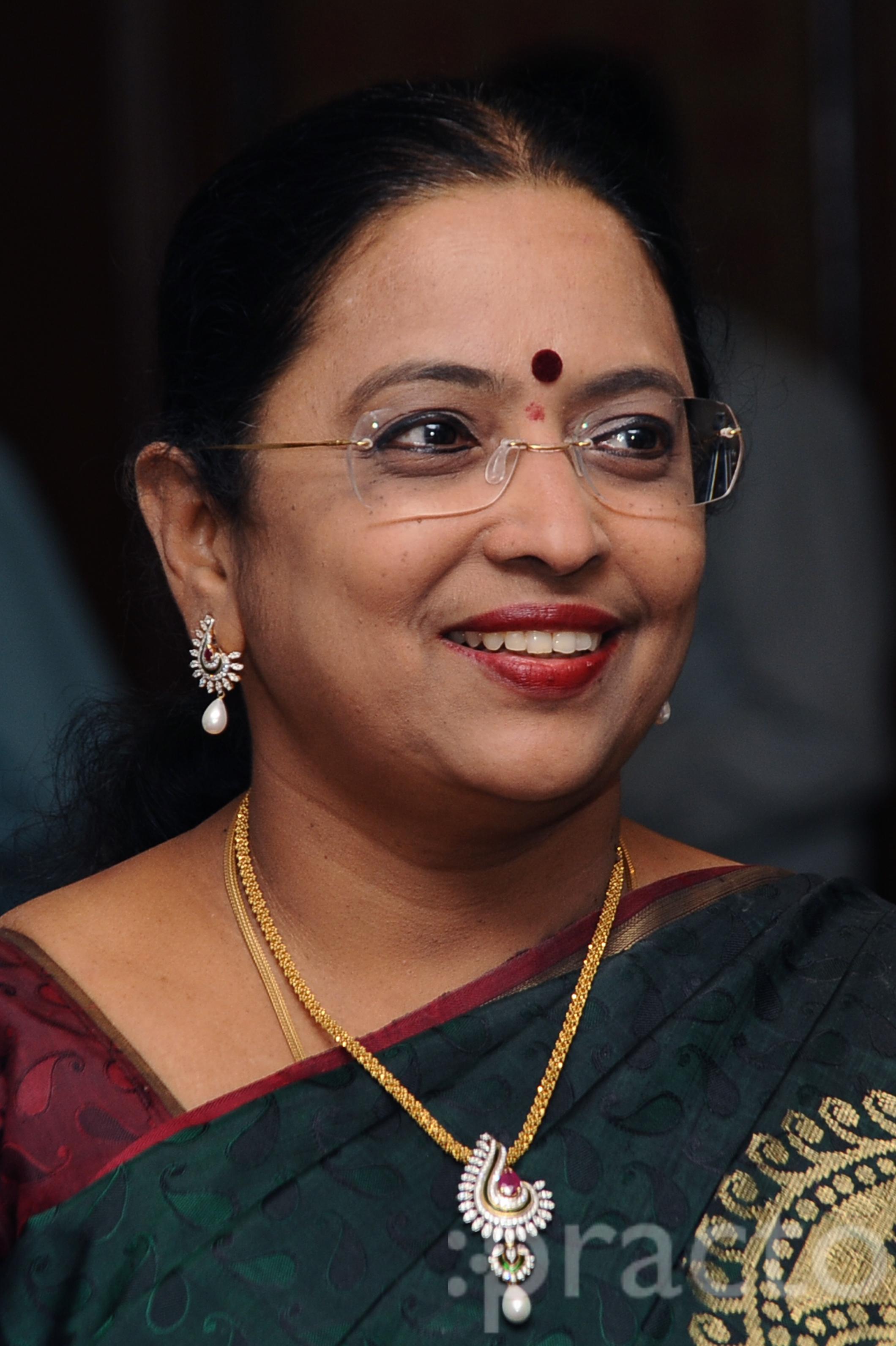 Dr. Geetha HariPriya - Gynecologist/Obstetrician