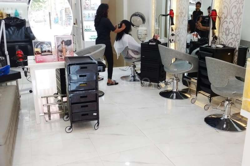Kapils salon - 4