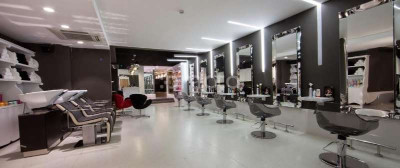 Looks unisex salon in connaught place delhi practo for Looks salon and spa