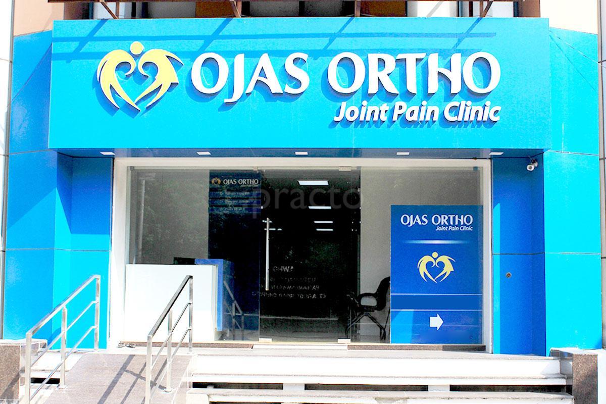 Orthopedic Doctors near Hotel Radha Regent Chennai in Arumbakkam