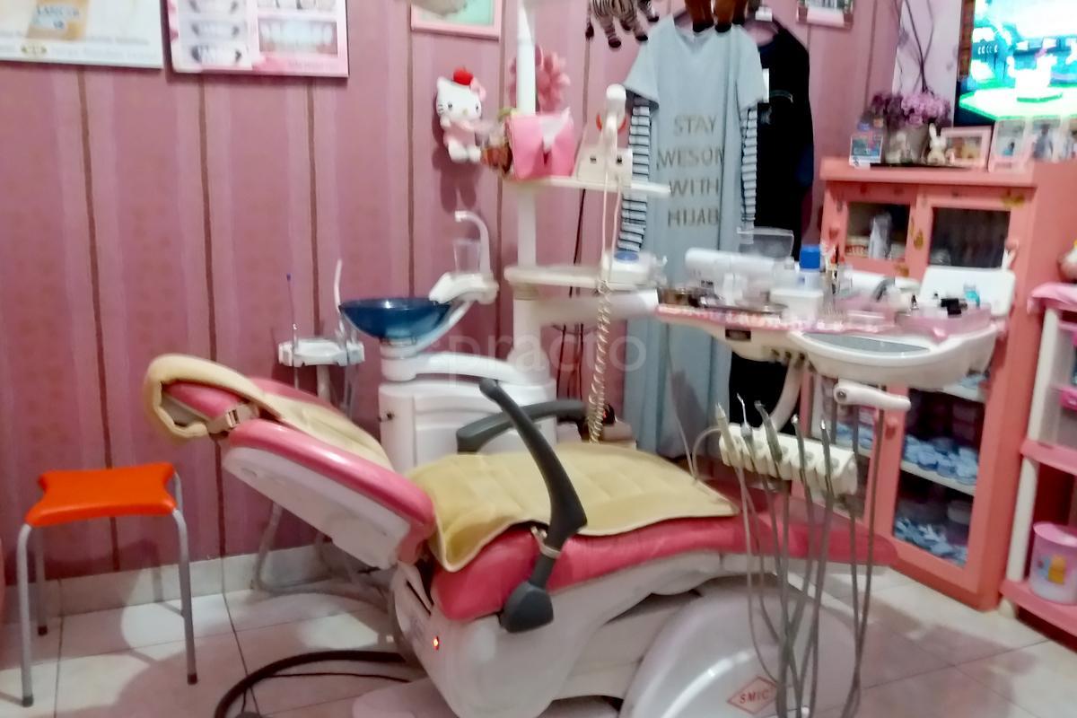 Perawatan Gigi Estetika Dental Clinic In Jatijajar Depok Book