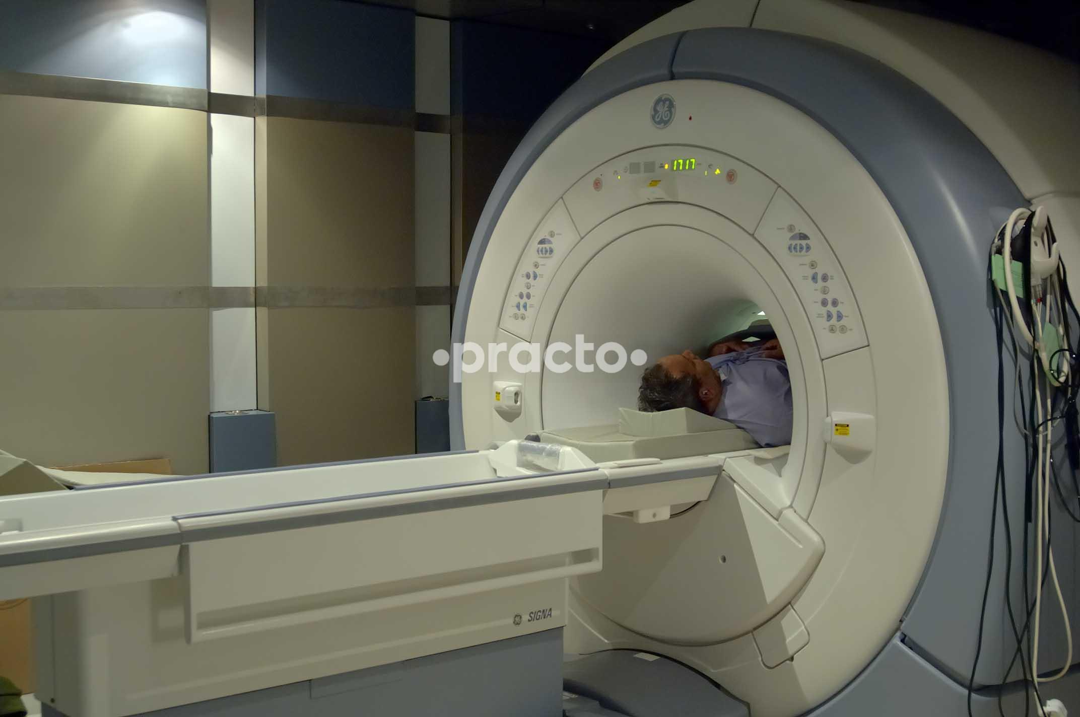 Dr  Savitr Sastri - Neurosurgeon - Book Appointment Online