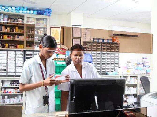 Dr  B Mahadevan - Gastroenterologist - Book Appointment