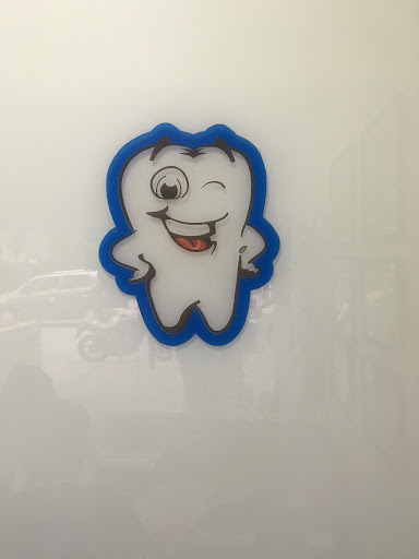 SMILING PEARLS DENTAL CLINIC AND IMPLANT CENTRE