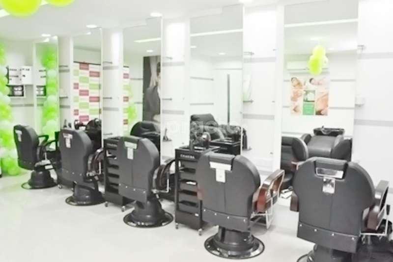 Naina arora in malviya nagar delhi practo for Adamo salon malviya nagar
