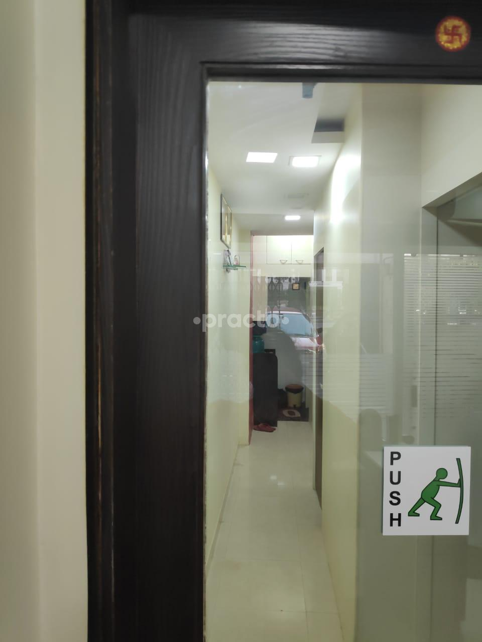 Urologists In Mumbai - Instant Appointment Booking, View Fees