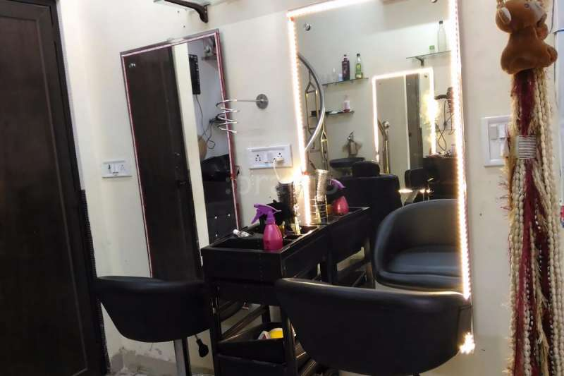 Preeti Makeover Studio - 4