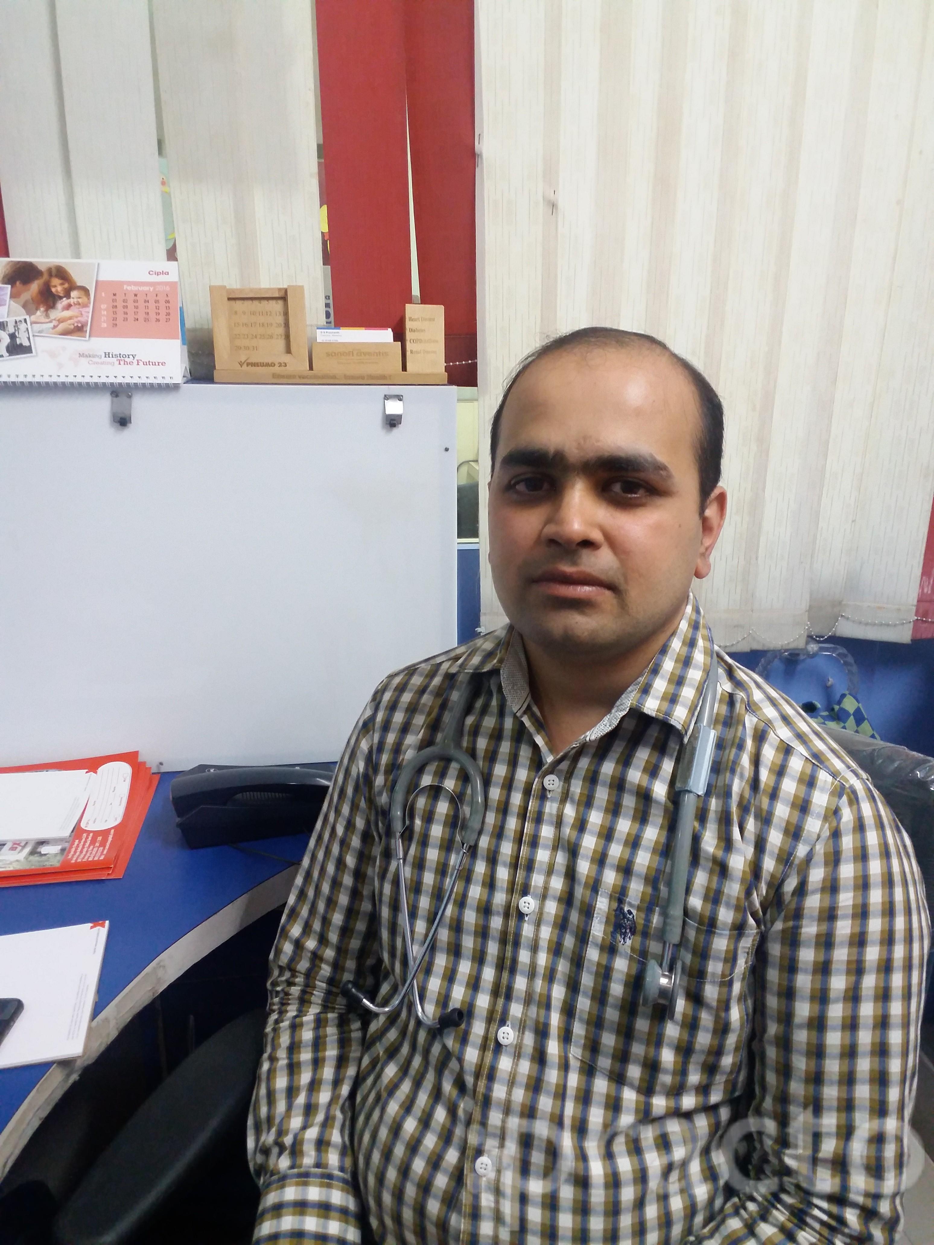 Dr. Naveen Dhariwal - Pediatrician